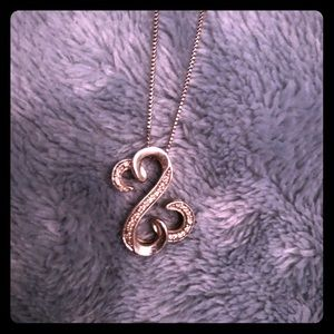 Jewelry - Sterling Silver Open Hearts Necklace